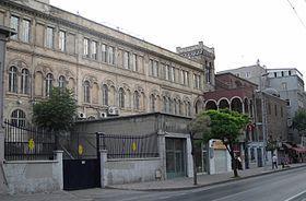 Gros plan sur le Lycée Saint-Benoit (Istanbul)