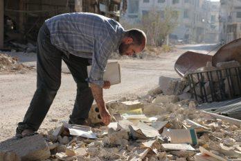 """Gösterim & yönetmen ile söyleşi  """"Daraya: Bombalar Altındaki Kütüphane"""""""