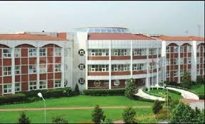Gros plan sur le lycée Küçük Prens
